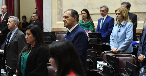 Senado honra a mexicanos que murieron en labores de rescate por Harvey - Foto de Internet