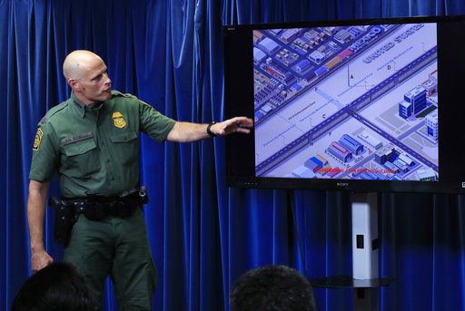 Comienza construcción de prototipos del muro fronterizo - Foto de AP