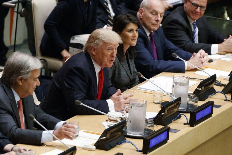 Trump y Netanyahu conversan sobre la paz en Medio Oriente - Foto de AP/Evan Vucci
