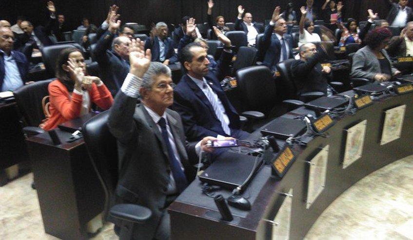 Asamblea Nacional declara fraudulentas las elecciones en Venezuela - Foto de Globovisión