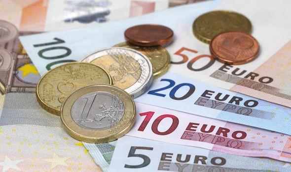 Euro registra pérdidas tras declaración de independencia catalana - Foto de internet
