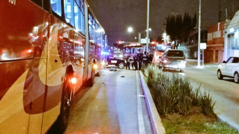 Metrobús arrolla y mata a hombre en Vallejo - Foto de @alertasurbanas
