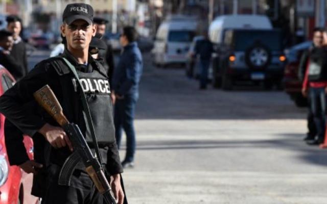 Al menos 54 policías muertos en redada en Egipto