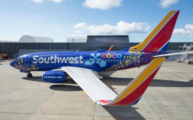 Avión de Southwest Airlines muestra arte de 'Coco' - Foto de Disney Pixar