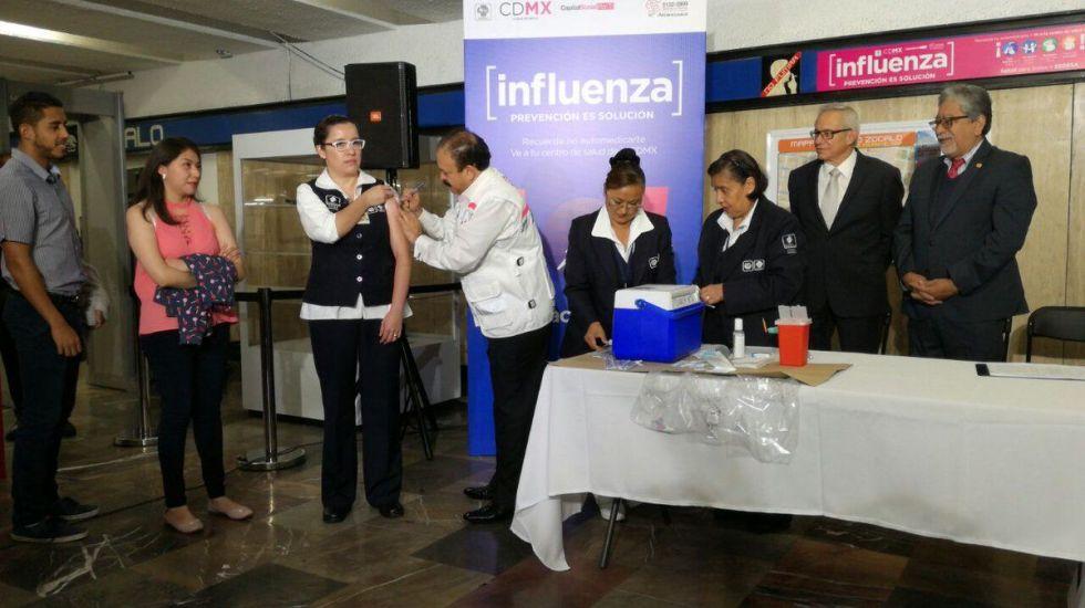 Instalan Módulos De Vacunación Contra Influenza En El Metro