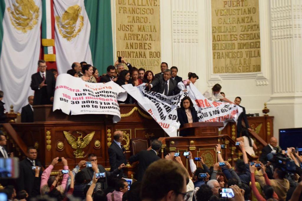 Levantan sesión en ALDF por falta de orden en el Pleno - Foto de @yoidivision