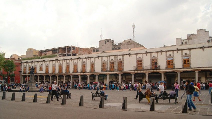 Aseguran nueve locales de falsificación en Santo Domingo - Foto de CDMX Travel