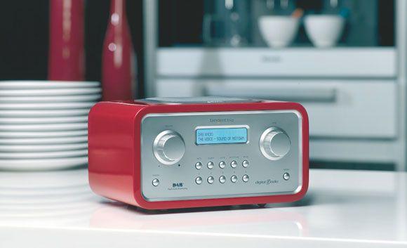 El 46 por ciento de los mexicanos escucha la radio de manera tradicional