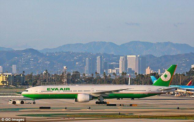 Turbulencia deja 11 heridos en vuelo de Taipei a Chicago
