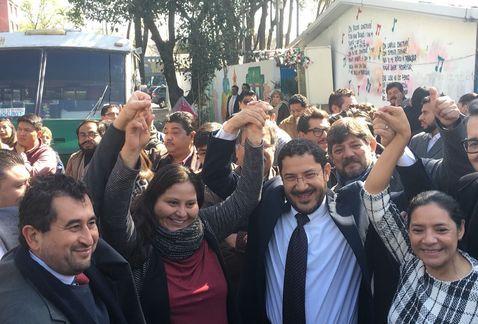 Martí Batres se registra como precandidato de Morena al Senado - Foto de Milenio/Jorge Almazán