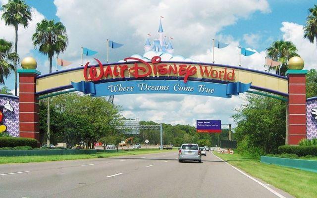 """La razón por la que Disney cambió sus carteles de """"no molestar"""" de sus hoteles"""