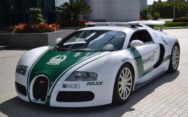 Policía de Dubai tiene superdeportivos que no utilizan contra el crimen