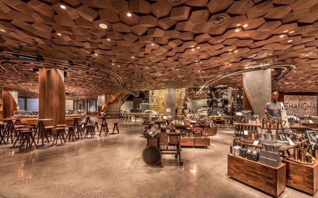 Starbucks abre su sucursal más grande del mundo - Foto de Starbucks