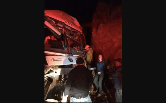 Choque deja 4 muertos y 15 heridos en Durango - Foto de El Sol de Durango