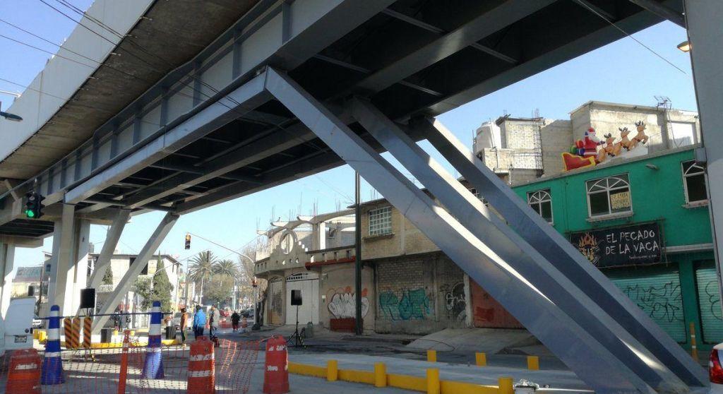 Concluyen trabajos de reforzamiento en la Línea 12 del Metro - Reparaciones en Viaducto Elevado de la Línea 12 del Metro. Foto de @jorgegavino / Archivo