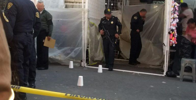 Asesinan a hombre mientras instalaba puesto ambulante en el Centro - Foto de Quadratín