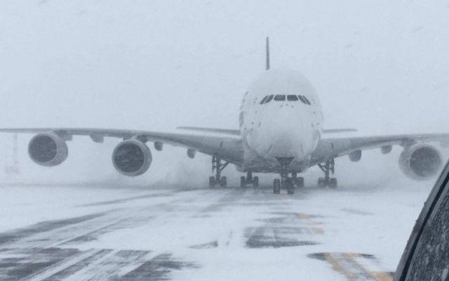 Avión más grande del mundo aterriza en aeropuerto más pequeño de NY - Foto: @SWFairport