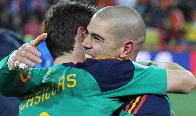 Iker Casillas manda mensaje a Víctor Valdés por su retiro