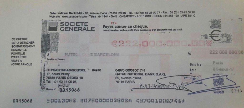 Abogado exhibe cheque por 222 mde que Neymar pagó al Barcelona