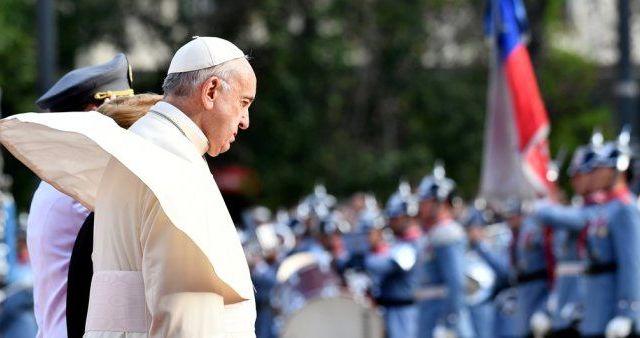 El papa Francisco recibió en 2015 carta de víctima de abusos en Chile - Foto de Reuters