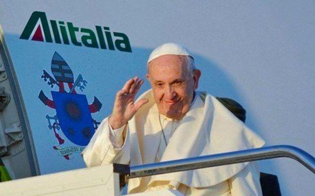 Chilenos dan calurosa bienvenida al Papa Francisco - Foto de @clarincom