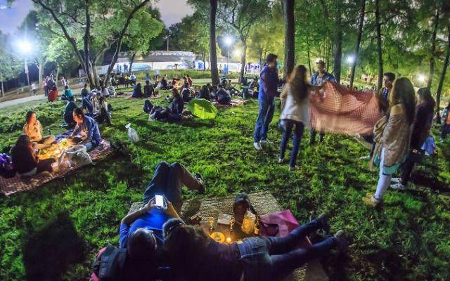 Realizarán picnics nocturnos en bosques de Chapultepec y Aragón - Foto de TimeOut