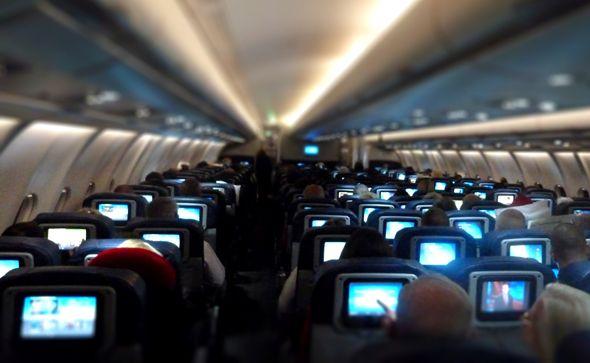 Aerolíneas comienzan retiro de televisiones en sus aviones - Foto de Internet