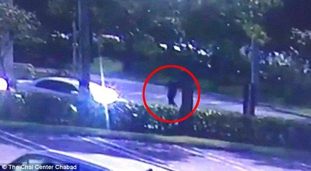 #Video Nikolas Cruz caminó tranquilamente tras la masacre