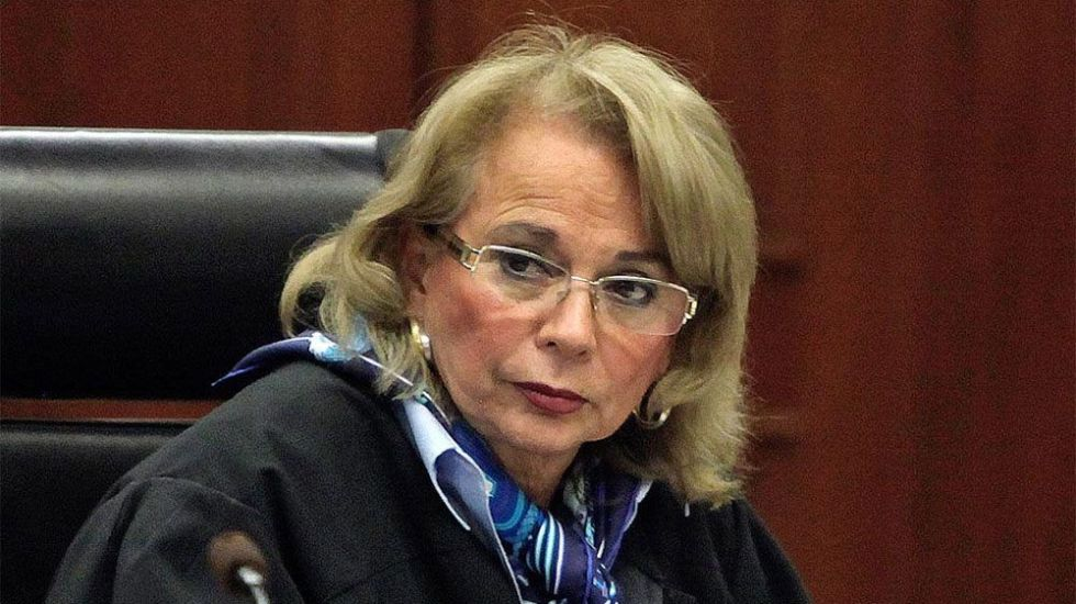 Sánchez Cordero intenta defenderse. Asegura que sí podría ser senadora