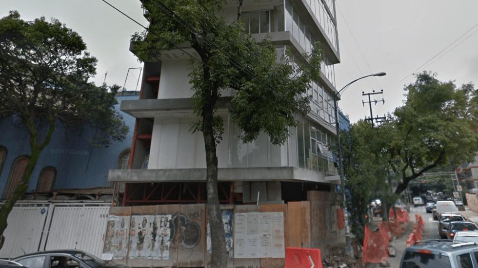 Demuelen pisos de construcción en la colonia Hipódromo - Foto de Google