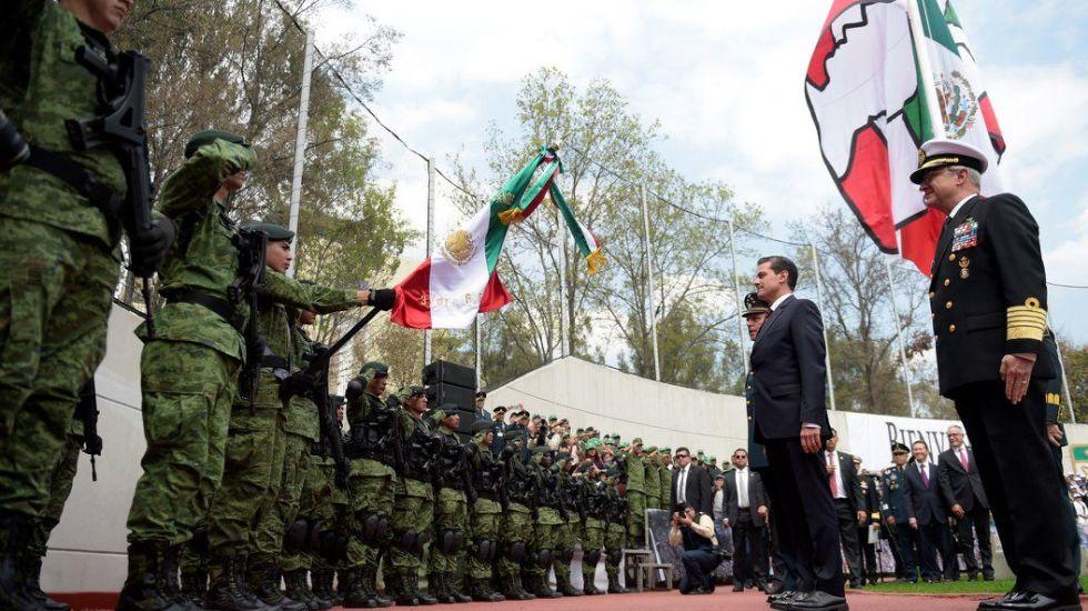 Peña Nieto anuncia aumento de ingresos a personal del Ejército Mexicano - Foto de Presidencia