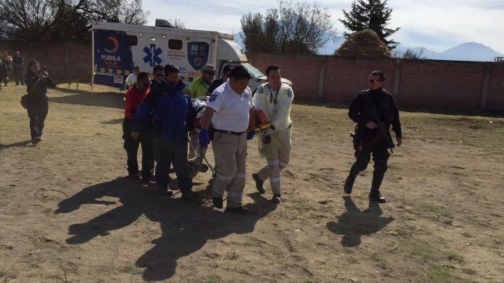 Rescatan a alpinistas accidentados en el pico de Orizaba, uno muere - Foto de @SUMA_Puebla