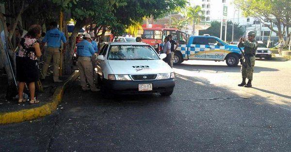 Asesinan a taxista y hieren a pasajera en Acapulco - Foto de Noticias de Guerrero