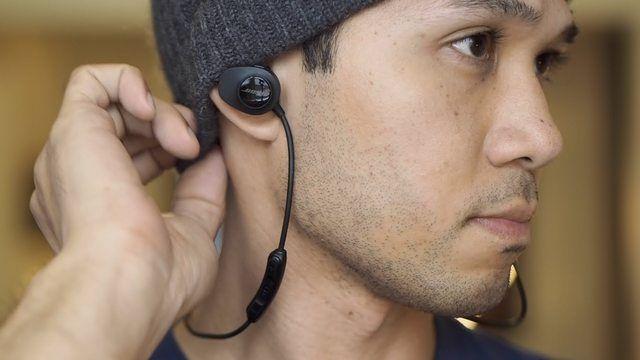 Audífonos y cotonetes podría ocasiona otitis por uso constante