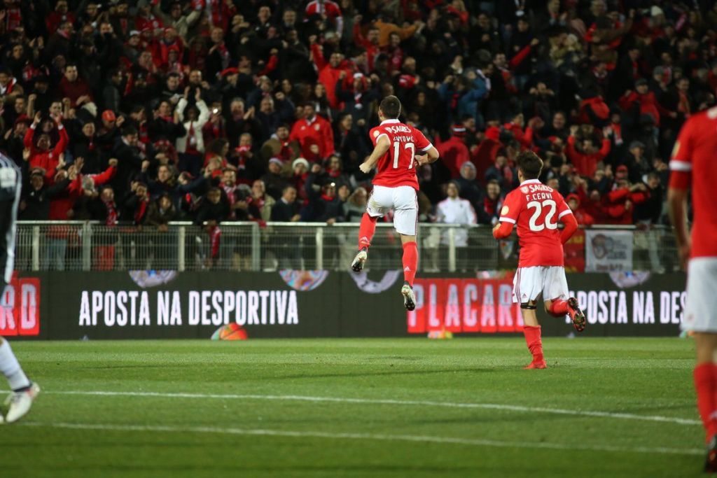 Condenan a cuatro años de cárcel a aficionado del Benfica que atropelló a seguidor del Sporting - Foto de @SLBenfica