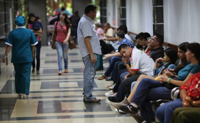 Miles de venezolanos buscan asilo en el extranjero - Foto de AP