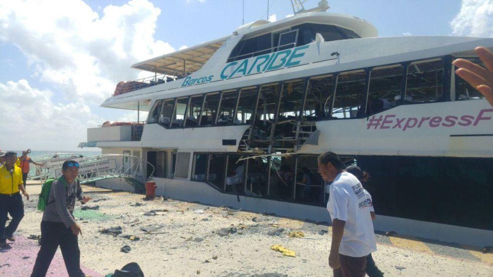 #Video Explosión en ferry deja al menos 18 heridos en Playa del Carmen - Foto de @PeriodicoQuequi