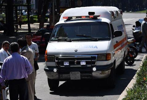 Muere hombre de infarto en Paseo de la Reforma - Foto de Jorge Becerril