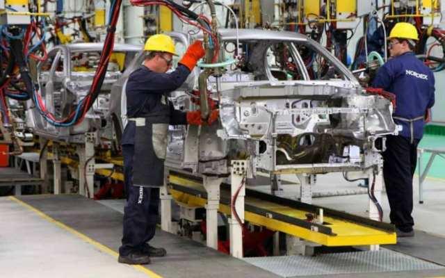 Sector automotriz ve crisis en ventas tras 25 meses continuos de caídas - Foto: Internet.