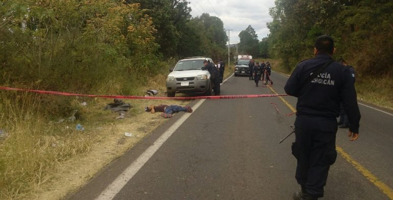 Asesinan a dos personas en Michoacán - Foto de Internet