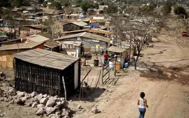 Un tercio de los mexicanos sobrevive con 100 pesos al día