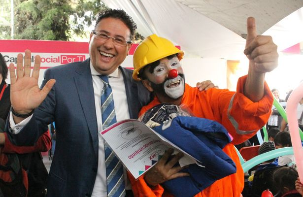 """Crean """"rescatistas de emociones"""" para apoyar a niños tras sismos - Foto de Internet"""