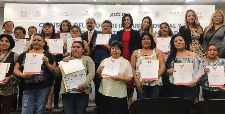 Lanzan programa tecnológico para reducir brecha digital en México