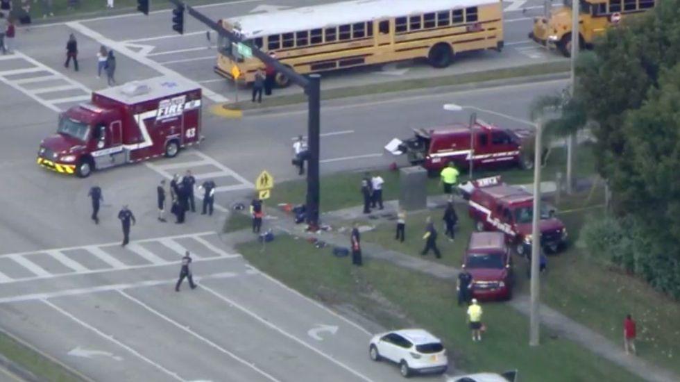 Tiroteo en escuela de Florida deja al menos 17 muertos