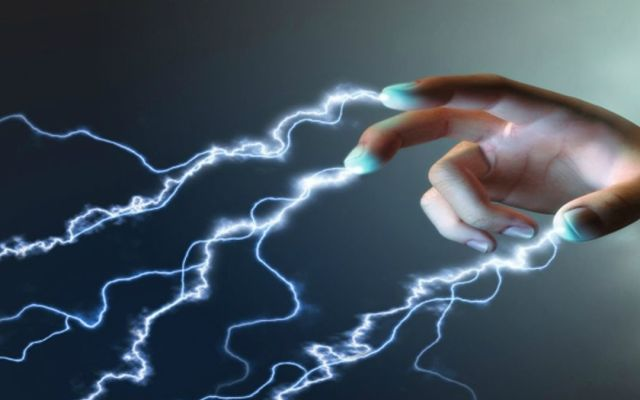 Por qué ocurren más toques eléctricos en diciembre - Foto de Internet