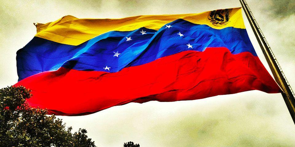Oficialismo venezolano propone adelantar elecciones legislativas