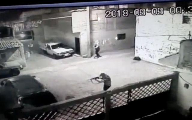 #VIDEO Comando ataca casa en colonia de León - Foto: Youtube.
