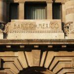 Reservas internacionales de México descendieron 37 mdd - Edificio del Banco de México Foto de archivo