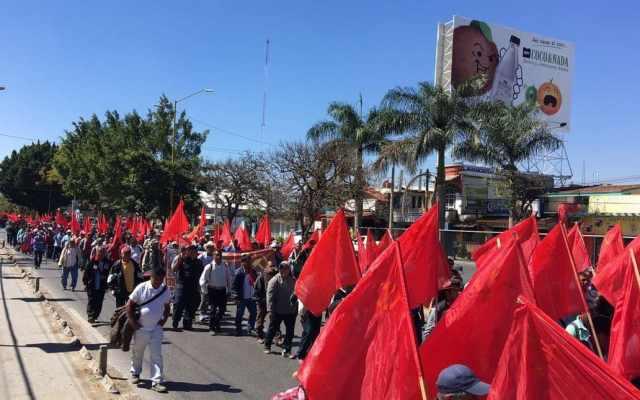 Oaxaca inicia semana con bloqueos y marchas - Foto de Twitter