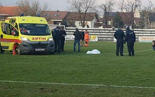 #Video Muere futbolista en pleno partido - Foto de Internet